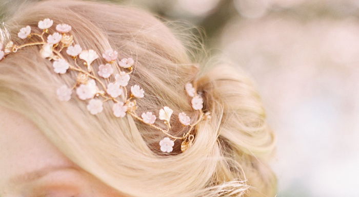 942bd0aea Ten elegant hair accessories for your formal wedding