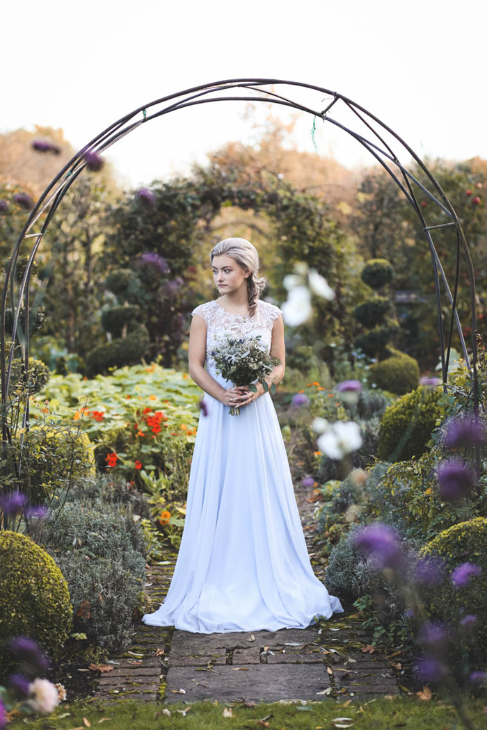 journey-to-the-centre-of-the-earth-themed-wedding-photoshoot-22