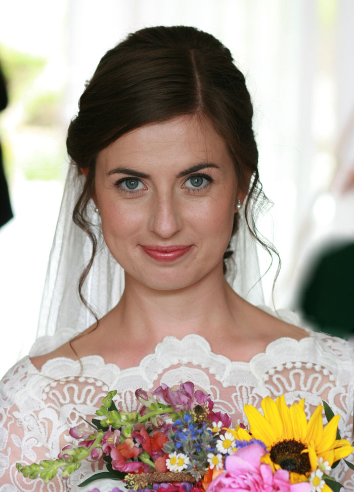 how-to-achieve-a-natural-wedding-make-up-look-4