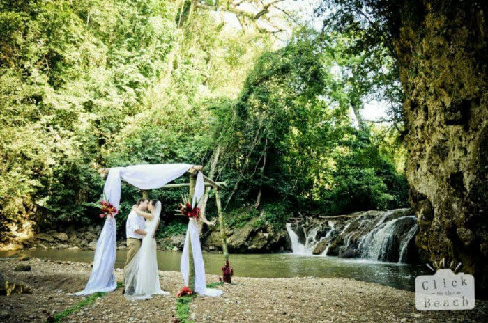 10-intimate-destinations-for-a-wedding-abroad-7