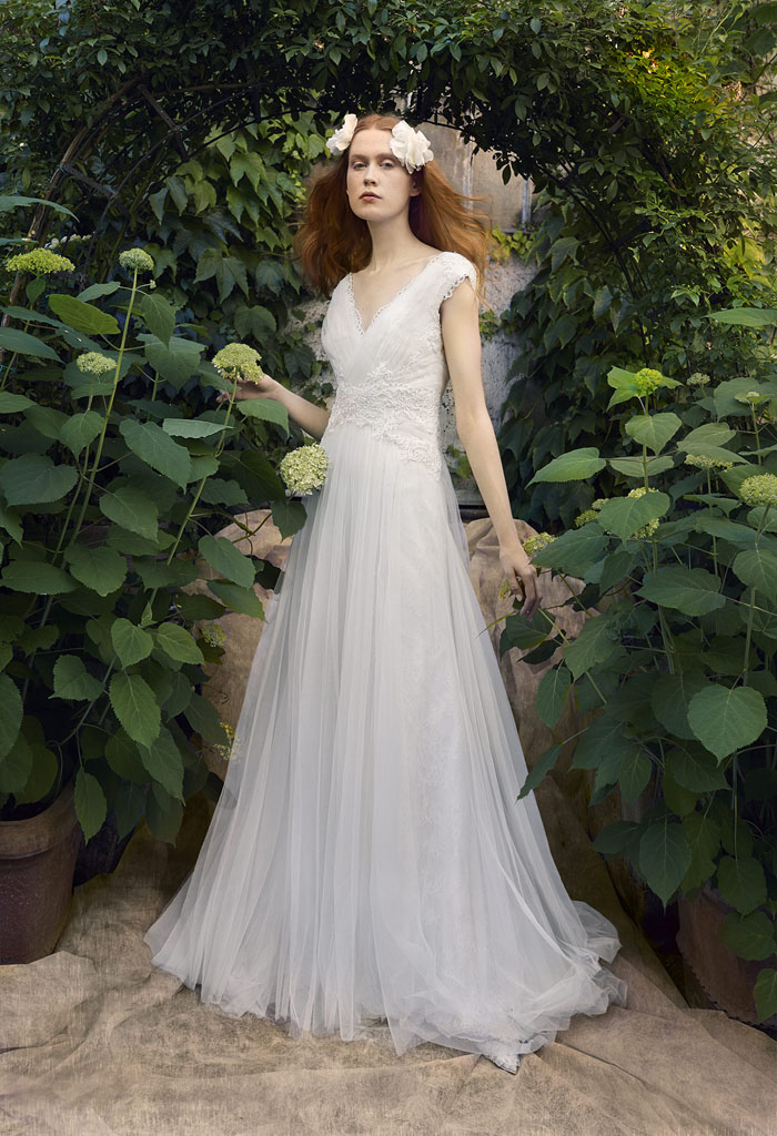 wedding-dress-trends-2018-guide-from-the-ivory-secret-4