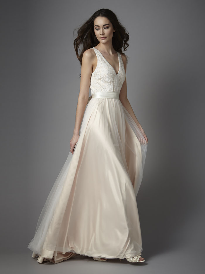 wedding-dress-trends-2018-guide-from-the-ivory-secret-12