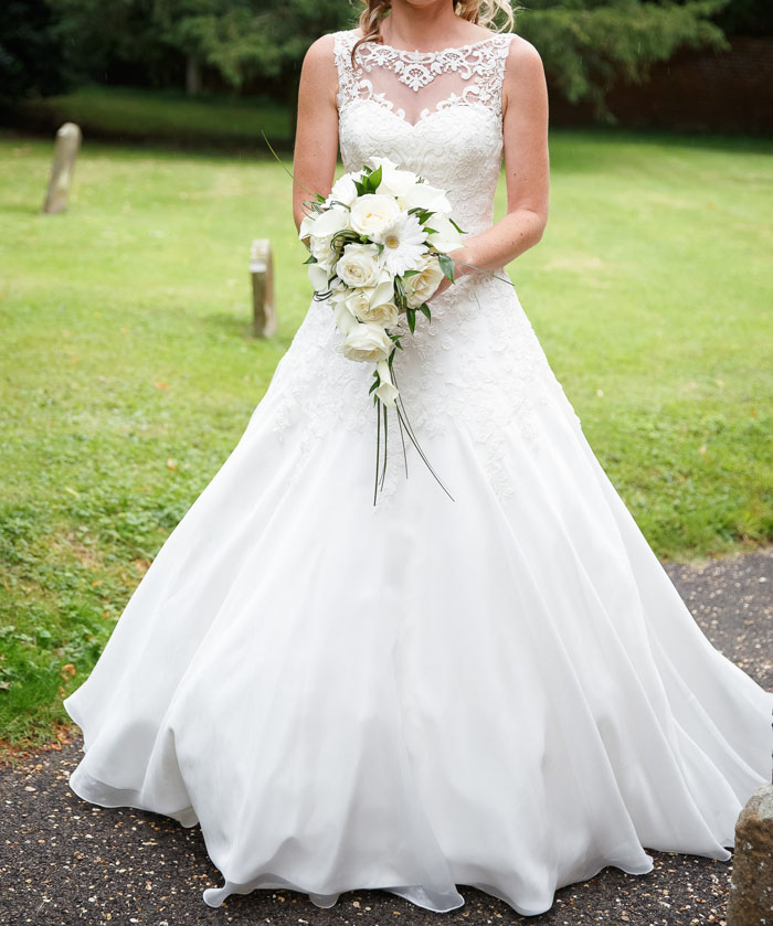 10-gorgeous-bridal-gowns-on-sell-my-wedding-8