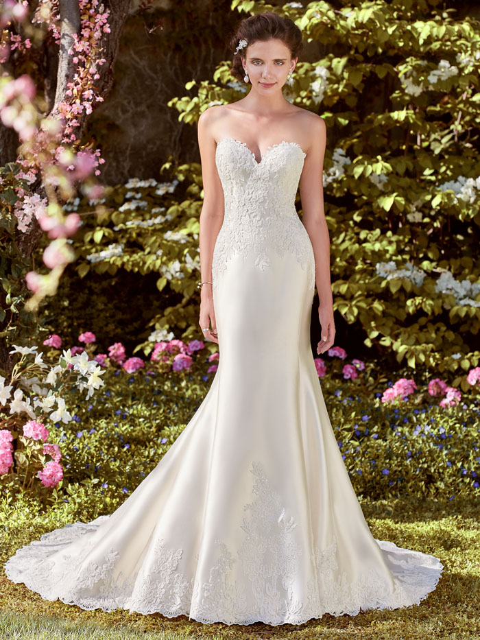 200-off-your-dress-from-pure-brides-at-bride-the-wedding-show-norfolk-6