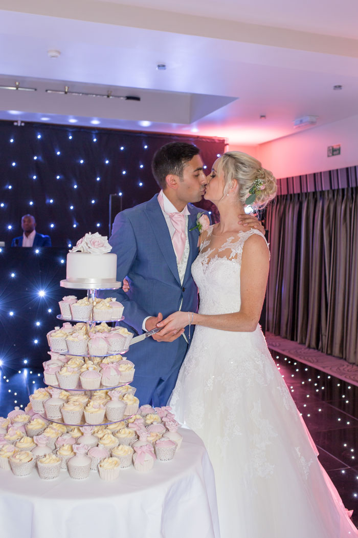wedding-of-the-week-prested-hall-essex-24