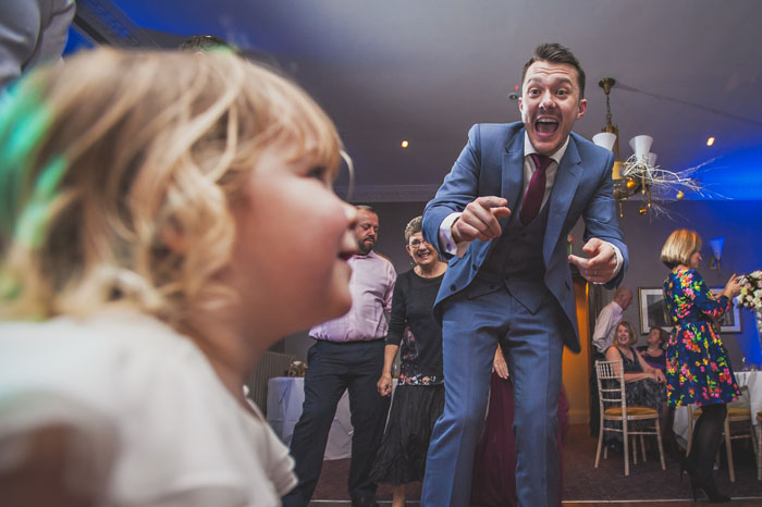 behind-the-lens-with-hampshire-wedding-photographer-shootinghip-9