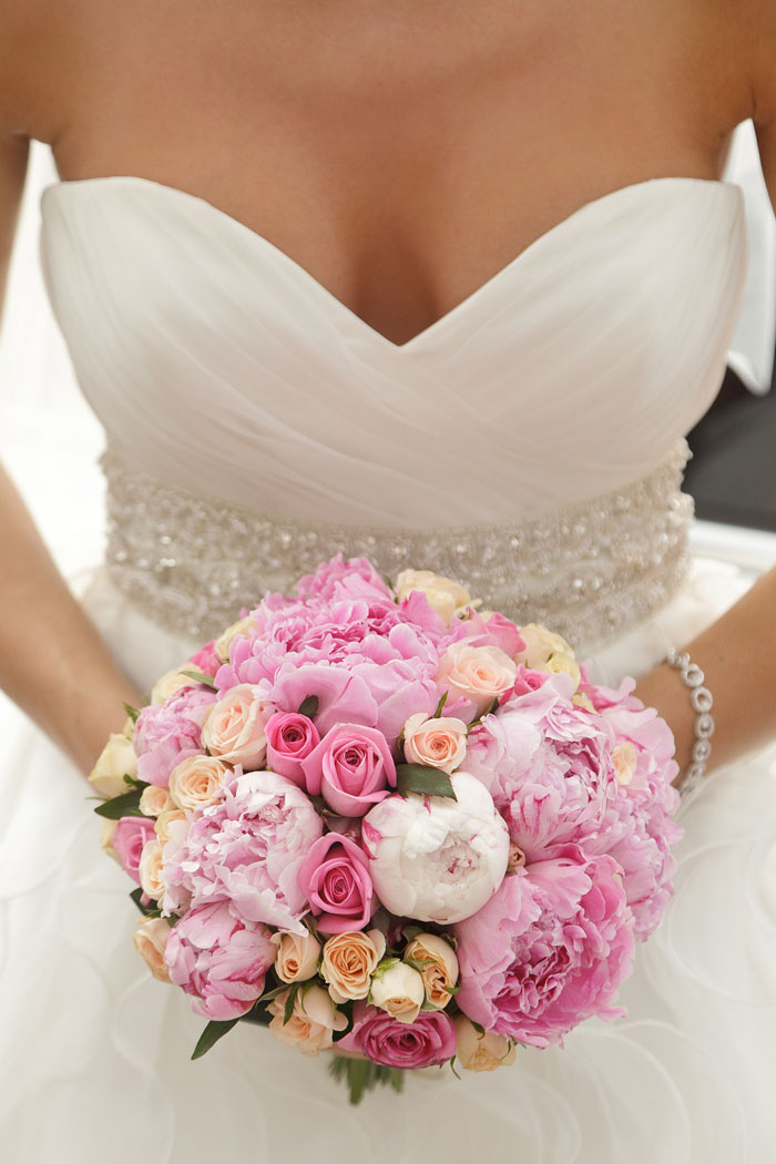 10-ways-to-include-peonies-in-your-wedding-day-3