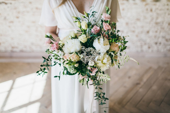 10-ways-to-include-peonies-in-your-wedding-day-4