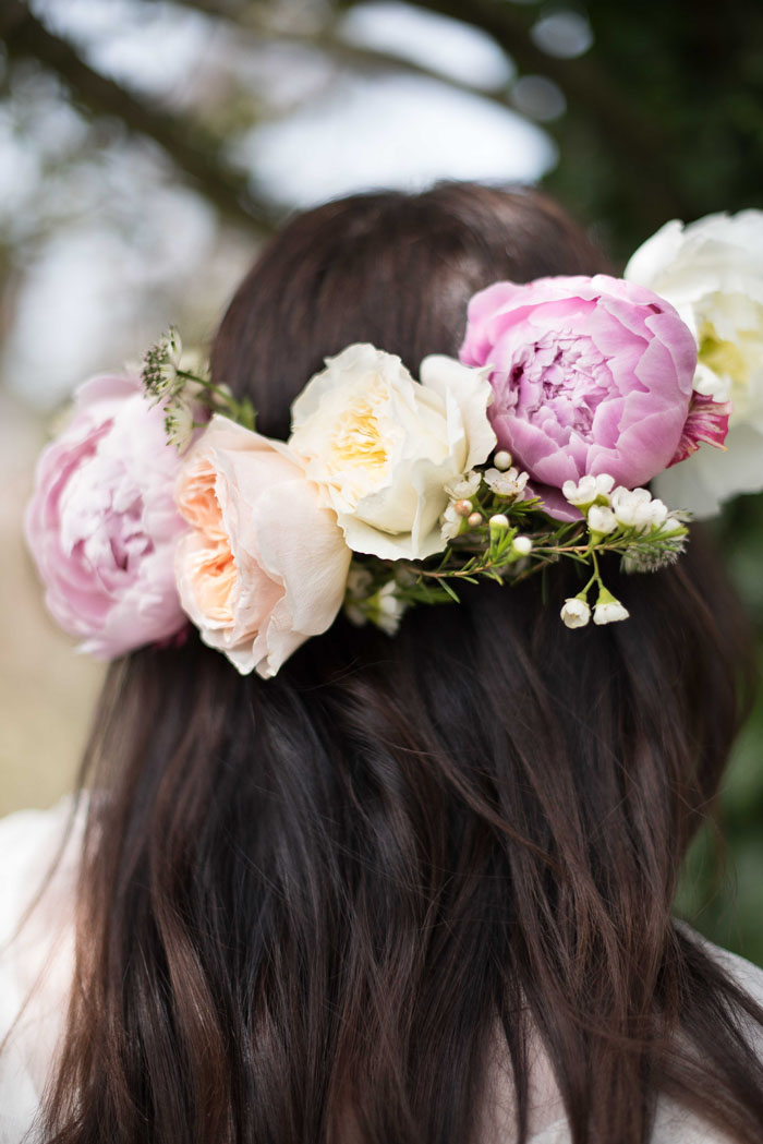 10-ways-to-include-peonies-in-your-wedding-day-6