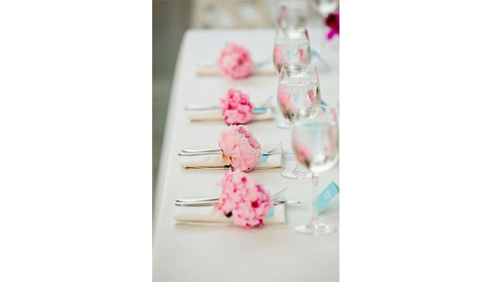 10-ways-to-include-peonies-in-your-wedding-day-11
