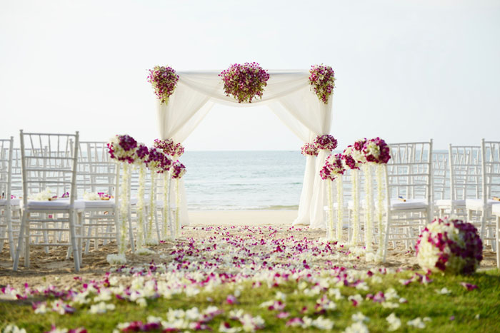 20-beautiful-backdrops-for-your-outdoor-wedding-ceremony-3