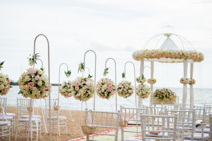 20-beautiful-backdrops-for-your-outdoor-wedding-ceremony-5
