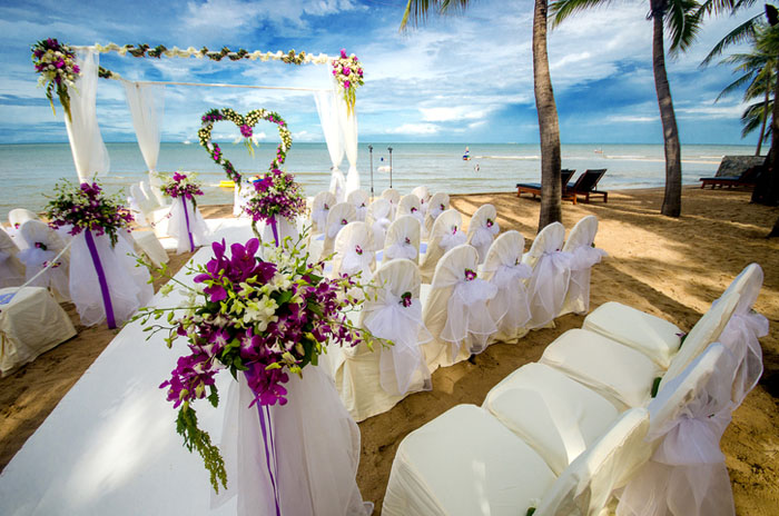 20-beautiful-backdrops-for-your-outdoor-wedding-ceremony-10