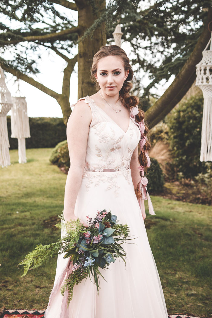 a-rustic-woodland-wedding-shoot-in-norfolk-bathed-in-blush-pink-21