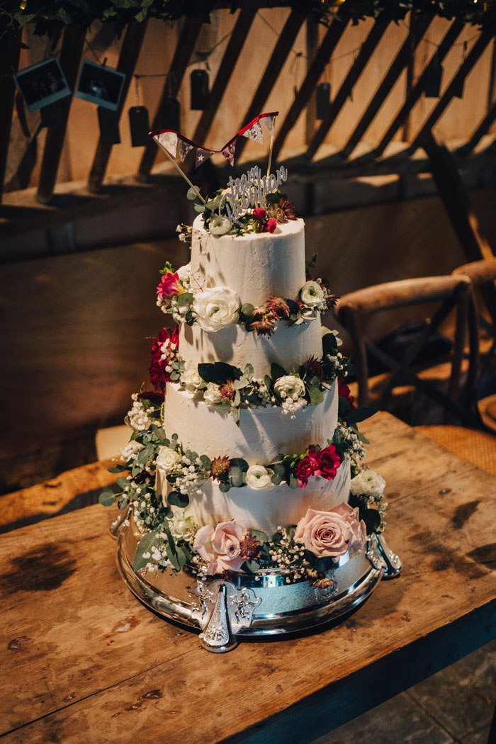 wedding-of-the-week-lains-barn-wantage-oxfordshire-10