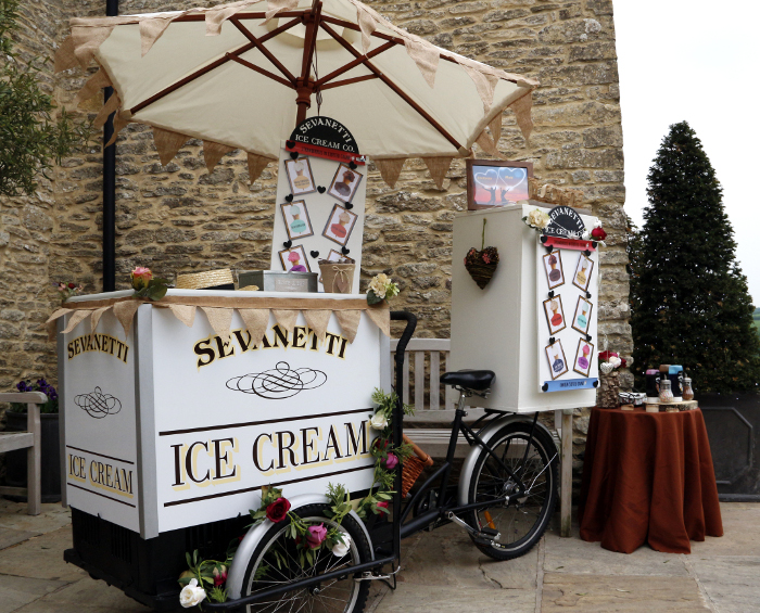 alternative-wedding-catering-ideas-in-the-south-west-and-cotswolds-8