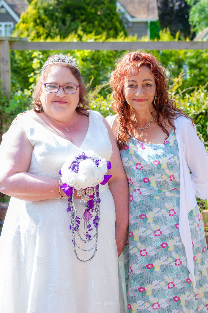 dorset-bride-requests-charity-raffle-participation-instead-of-wedding-gifts-2