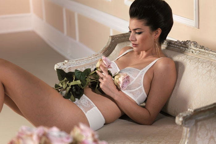essential-lingerie-garments-for-your-wedding-day-1