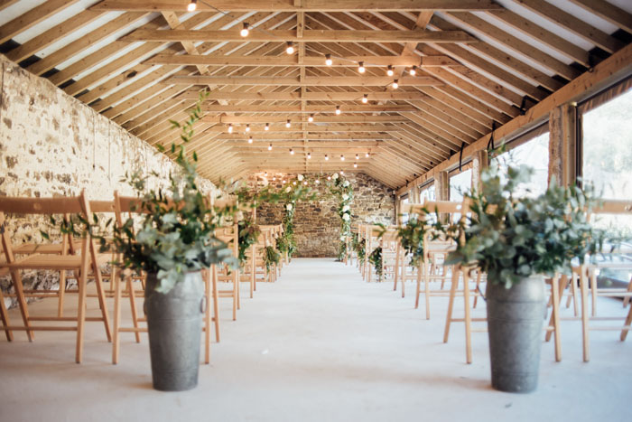 wow-factor-barn-wedding-venues-in-the-south-west-and-cotswolds-4