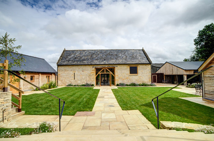 wow-factor-barn-wedding-venues-in-the-south-west-and-cotswolds-6