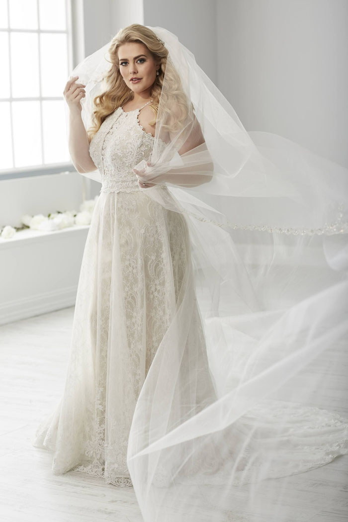 wedding-dresses-for-curvy-brides-5