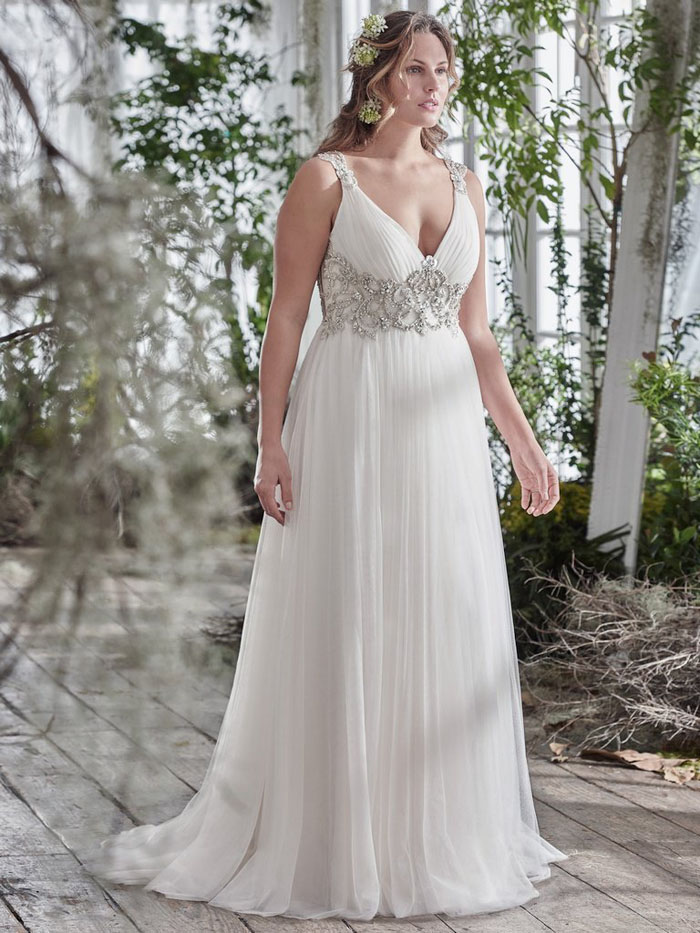 08cd2acb939 21 wedding dresses for curvy brides