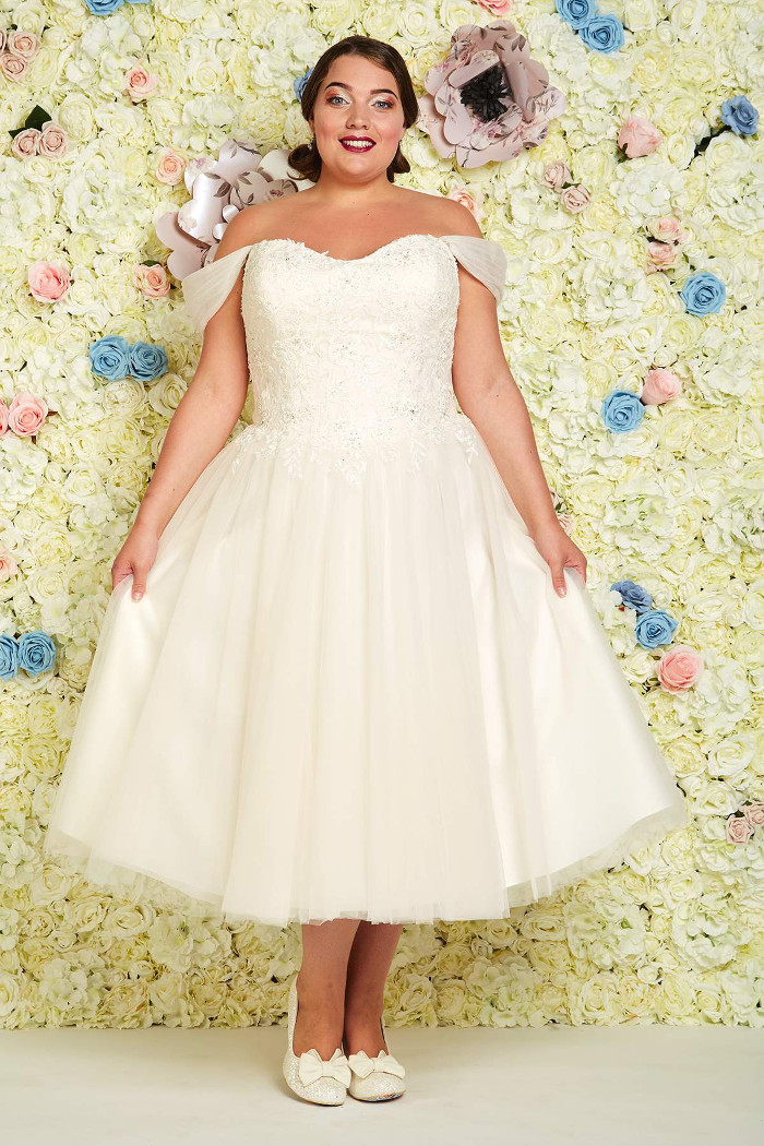 wedding-dresses-for-curvy-brides-21