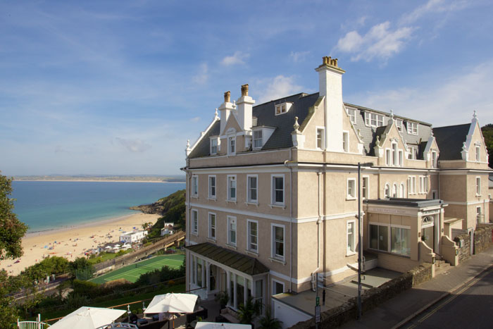 wedding-venues-beside-the-seaside-in-the-south-west-8