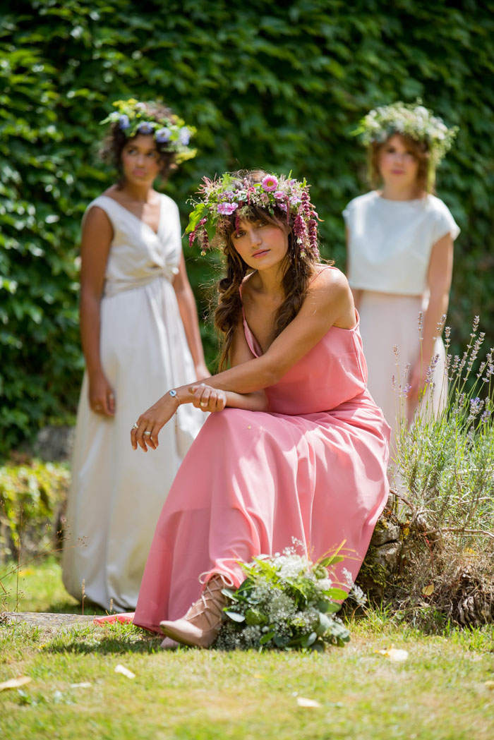 a-soft-yet-strong-bridal-shoot-in-devon-9