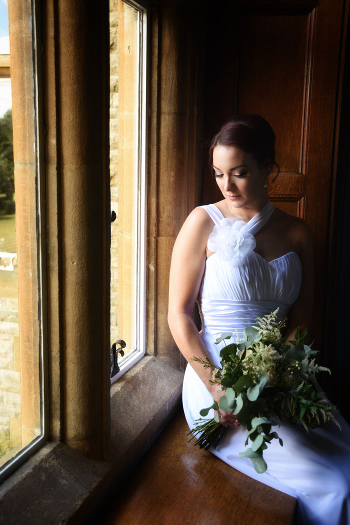 an-oxfordshire-shoot-to-inspire-brides-on-a-budget-5