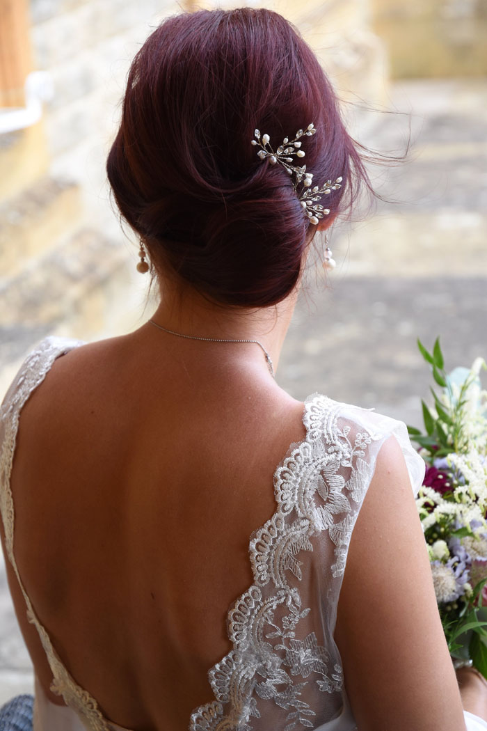 an-oxfordshire-shoot-to-inspire-brides-on-a-budget-12