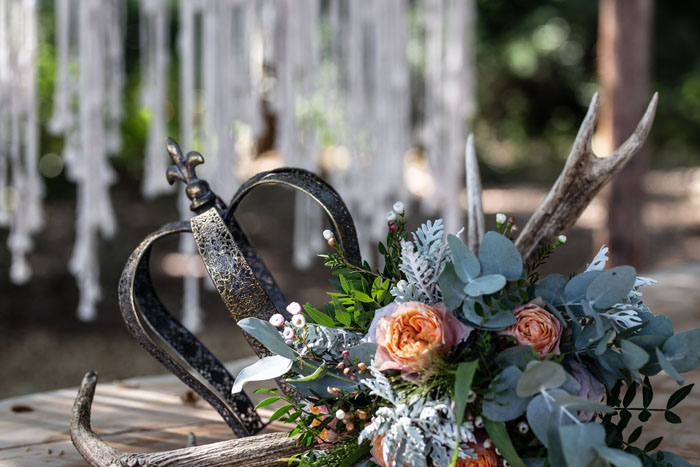 enchanting-woodland-wedding-shoot-from-forest-lodge-weddings-6