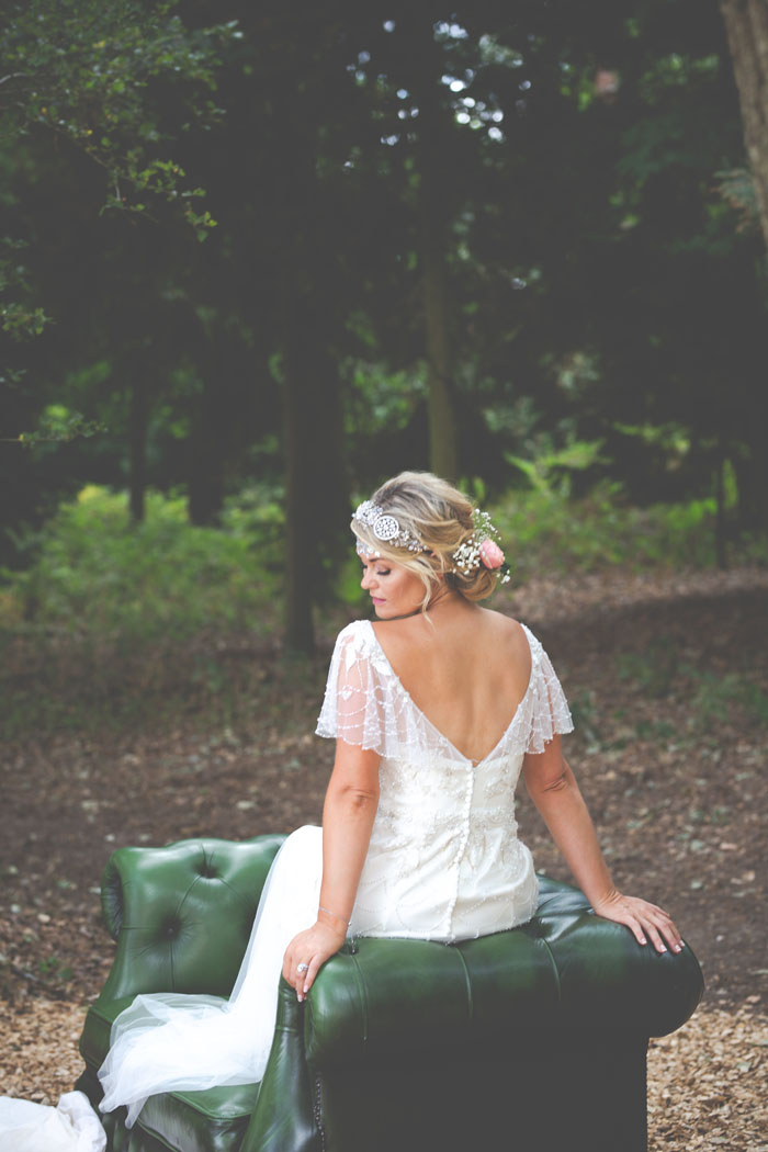 enchanting-woodland-wedding-shoot-from-forest-lodge-weddings-14