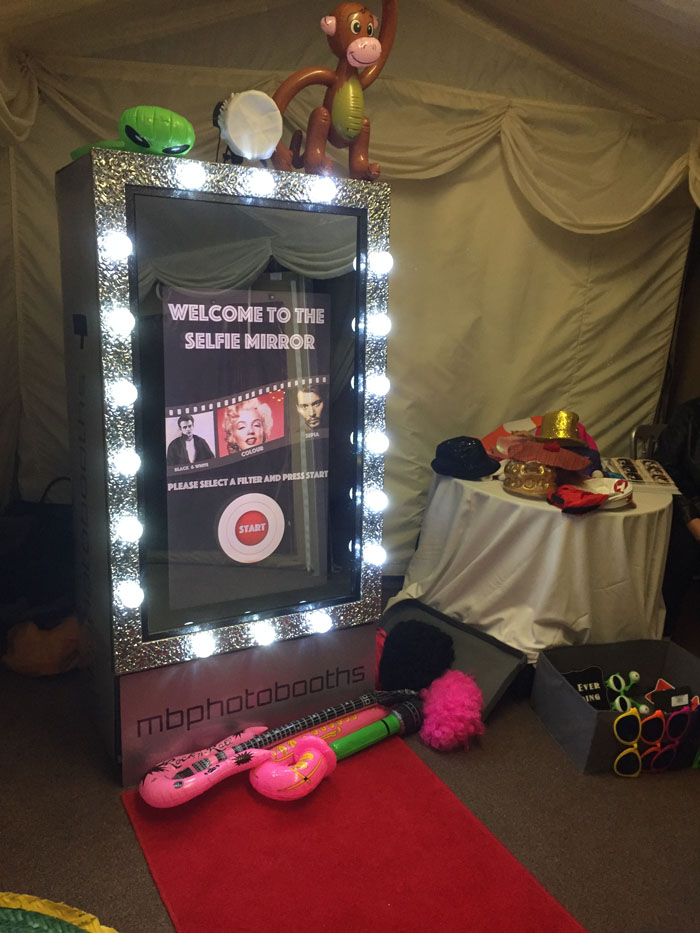 quirky-wedding-photo-booths-in-kent-3