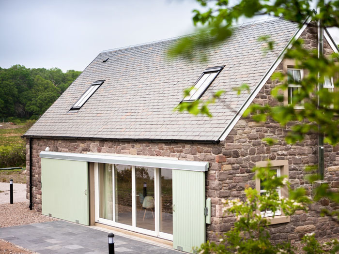 romantic-uk-holiday-cottages-for-the-perfect-post-wedding-retreat-4