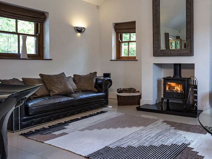 romantic-uk-holiday-cottages-for-the-perfect-post-wedding-retreat-11