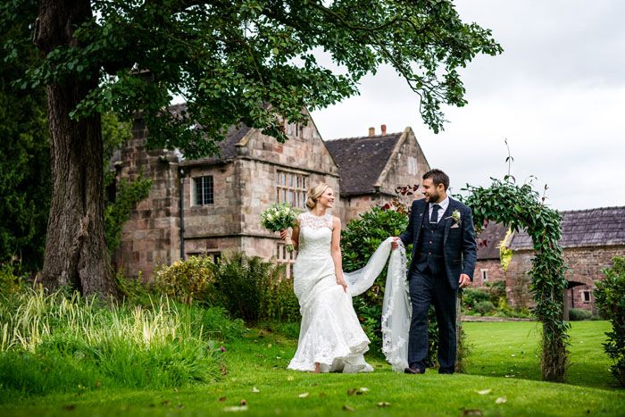 behind-the-lens-with-staffordshire-wedding-photographer-cris-lowis-12