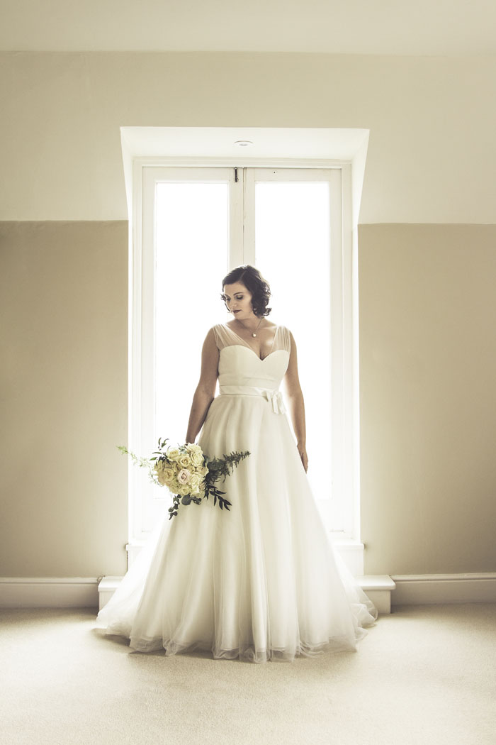 a-styled-bridal-shoot-at-sudbury-house-faringdon-3