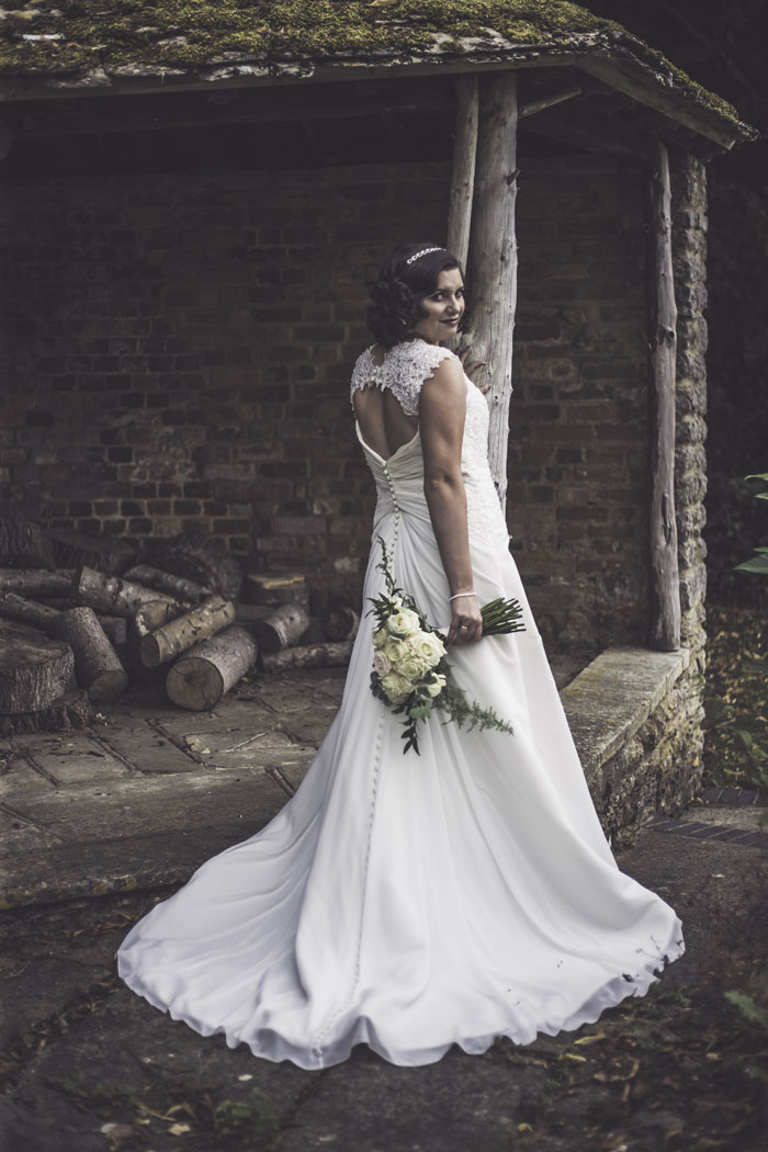 a-styled-bridal-shoot-at-sudbury-house-faringdon-9