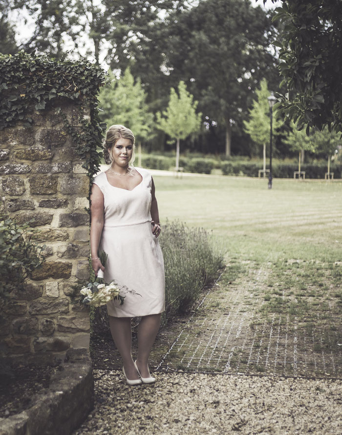 a-styled-bridal-shoot-at-sudbury-house-faringdon-12