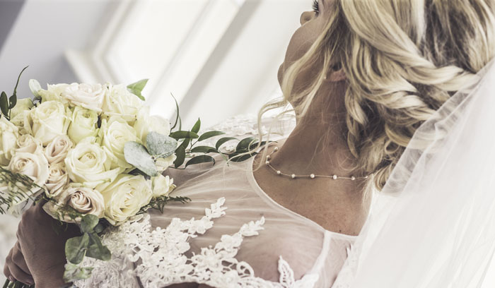 a-styled-bridal-shoot-at-sudbury-house-faringdon-15