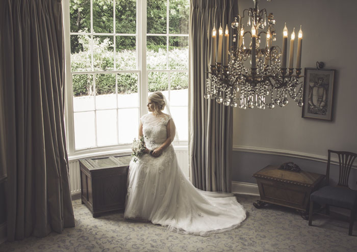 a-styled-bridal-shoot-at-sudbury-house-faringdon-16