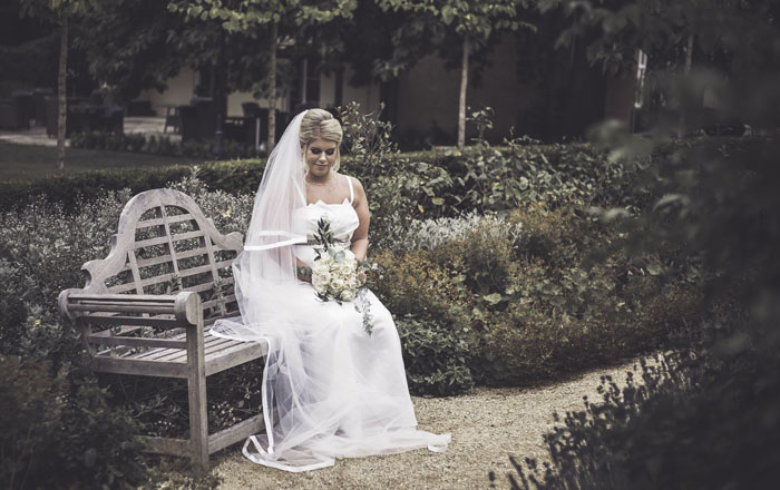 a-styled-bridal-shoot-at-sudbury-house-faringdon-18