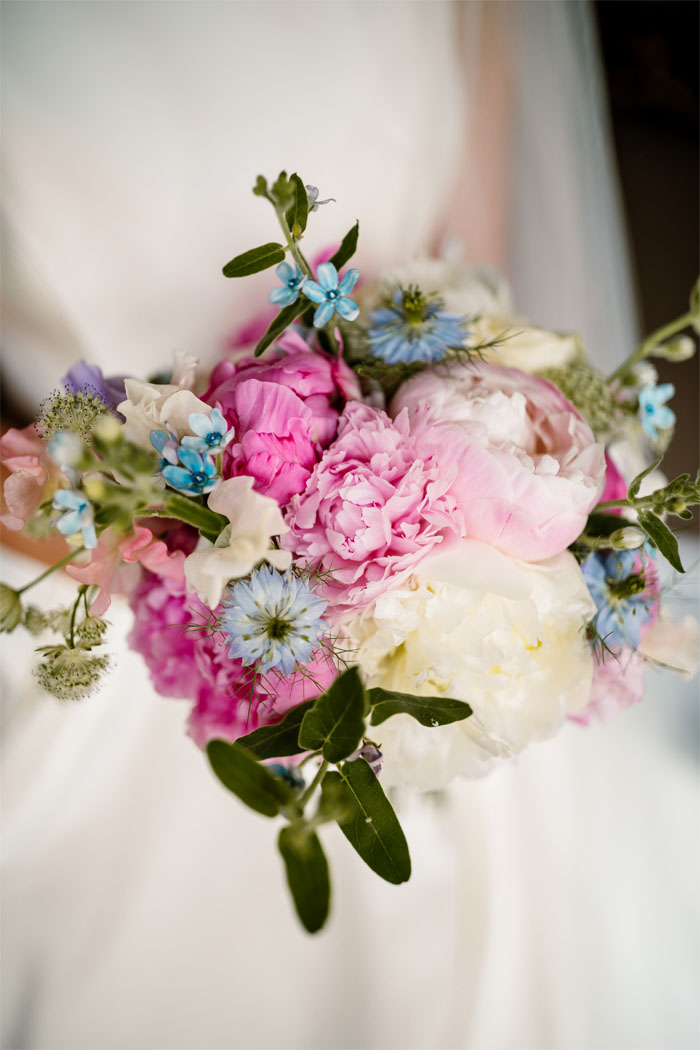 which-wedding-flowers-for-which-season-yorkshire-7