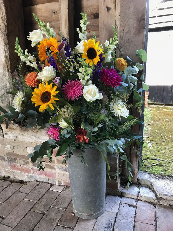 which-wedding-flowers-for-which-season-surrey-sussex-2