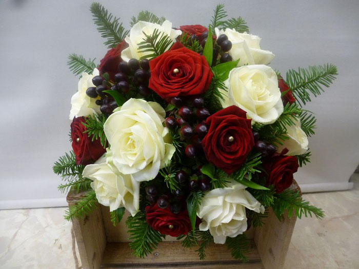 which-wedding-flowers-for-which-season-surrey-sussex-4