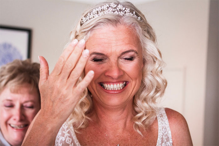 laughter-tears-wedding-photography-in-the-south-west-cotswolds-2