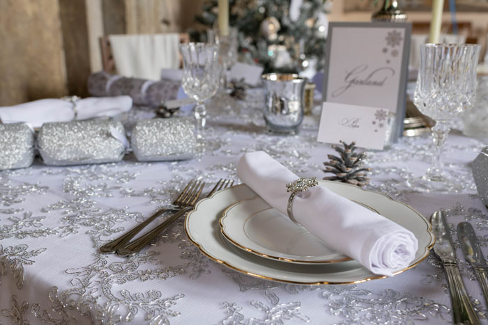 a-magical-christmas-wedding-shoot-in-dorset-5