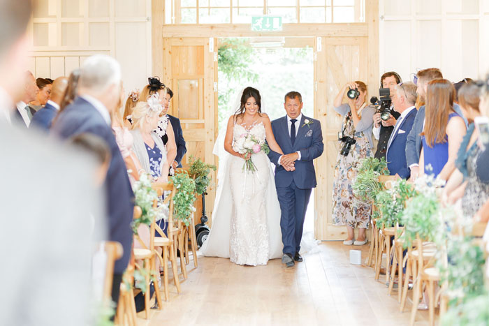 wedding-of-the-week-hyde-house-cheltenham-11
