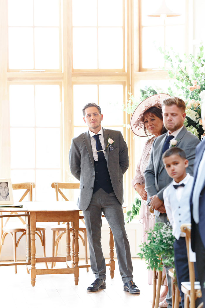 wedding-of-the-week-hyde-house-cheltenham-12